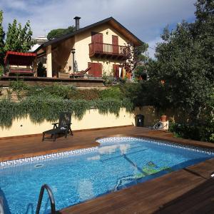 Hotel Pictures: Holiday Home Maresme, San Cipriano de Vallalta