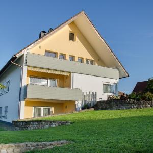 Hotelbilleder: Apartment Haus Feldbergblick, Döggingen