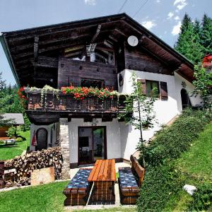 Hotellikuvia: Holiday Home Sternisa, Hirschegg Rein