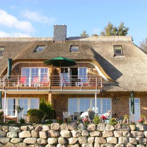 Hotel Pictures: Holiday Home Sonnenkliff.3, Groß Zicker