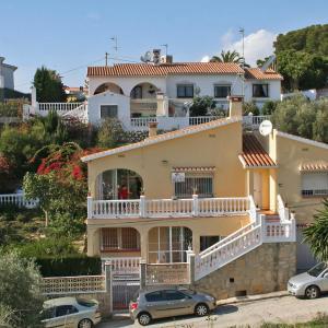 Hotel Pictures: Villa Sirena 140, Benajarafe