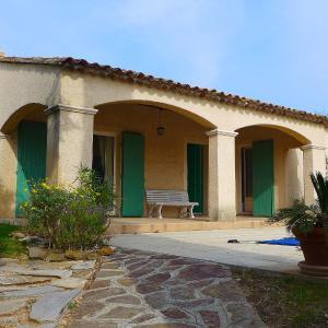 Hotel Pictures: Holiday Home Les Chênes, La Londe-les-Maures