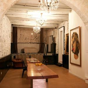 Hotel Pictures: Le Castel - Loft En Ville, La Ciotat