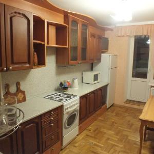 Hotel Pictures: Apartment on Aktyubinskaya 11, Mogilev