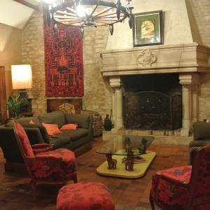 Hotel Pictures: Isle d Adam, Ronquerolles