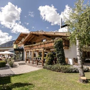 Hotel Pictures: Natur und Spa Resort Holzleiten, Obsteig