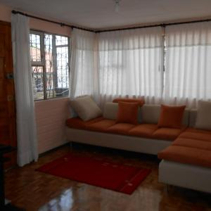 Hotel Pictures: La Colina Cozy Apartment, Quito