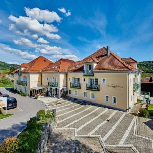 Hotel Pictures: AKZENT Wellnesshotel-Bayerwald Residenz, Neukirchen