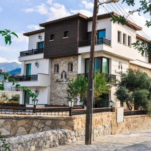 Hotel Pictures: Kemerli Konak Boutique Hotel, Kyrenia