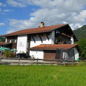 Hotel Pictures: Alpchalet Schwanstein, Halblech