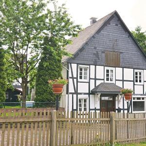 Hotelbilleder: Holiday Home Am Bach 1, Olsberg