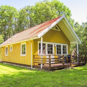 Hotelbilleder: Ferienhaus mit Terrasse und Kamin - D 048.002B, Krakow am See