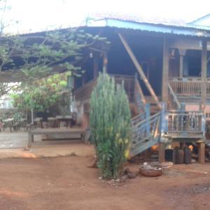 Foto Hotel: Khmer Homestay, Phumĭ Katiĕng