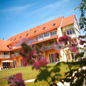 Hotel Pictures: JUFA Hotel Nördlingen, Nördlingen