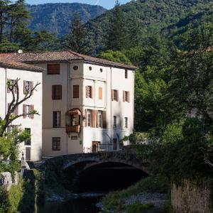 Hotel Pictures: Le Jardin de Valleraugue, Valleraugue