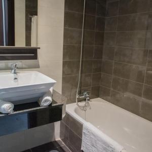Hotel Pictures: Hotel MR El Sanguino, La Puebla de los Infantes