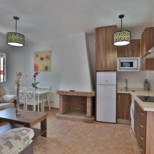 Hotel Pictures: Apartamentos El Madroñal, Coto Rios
