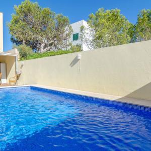Hotel Pictures: Calandrella, El Estanyol