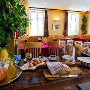 Hotel Pictures: Auberge Communale Chez Yann, Etoy