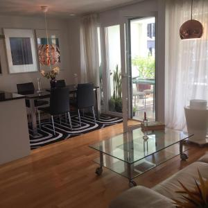 Hotel Pictures: City Apartment, Opfikon