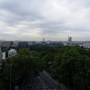 Hotel Pictures: Parissun Apartment, Courbevoie