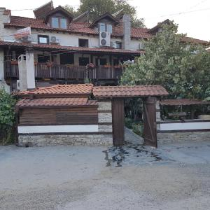 Фотографии отеля: Family Hotel Alexov's House, Ognyanovo