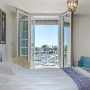 Hotel Pictures: Hotel La Marine, La Rochelle