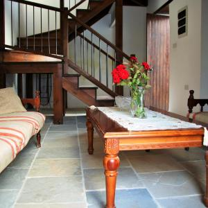 Hotel Pictures: Petros Traditional Mansion, Anaphotia