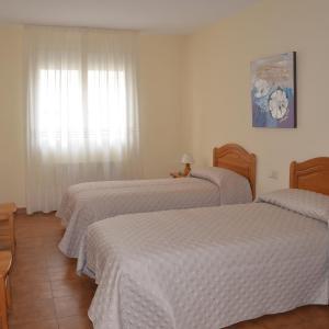 Hotel Pictures: Hostal La Dehesa, Aldeanueva de Guadalajara