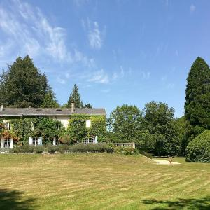 Hotel Pictures: Domaine de La Brugere, Nantheuil