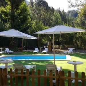 Hotel Pictures: Cal Mosqueta, Sant Llorenc de Morunys