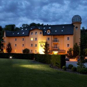 Hotel Pictures: Hotel Akademie, Hrubá Voda