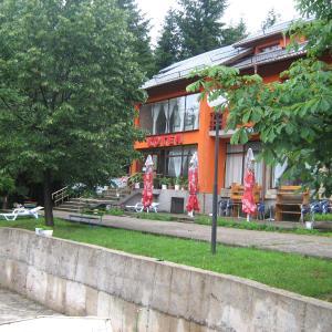 Φωτογραφίες: Family Hotel Momina Salza, Zgorigrad