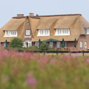 Hotel Pictures: Landhaus Severin's Morsum Kliff, Morsum