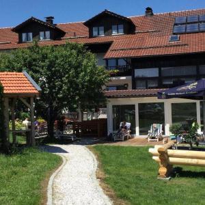 Hotelbilleder: Hotel Hirschenstein, Achslach