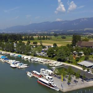 Hotel Pictures: TCS Camping Solothurn, Solothurn