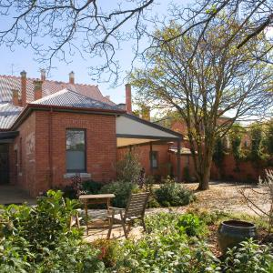 Hotel Pictures: Mollisons, Kyneton