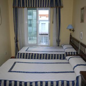 Hotel Pictures: Hostal Casais, Vigo