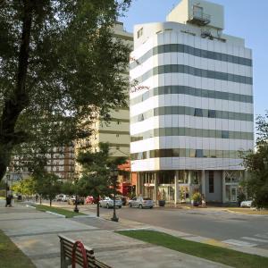 Фотографии отеля: Plaza Suites Campana, Campana