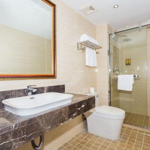 Hotel Pictures: Shanghai East China Hotel, Nanhui
