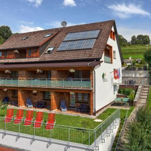 Hotel Pictures: Pension Waldwinkel, Lenzkirch