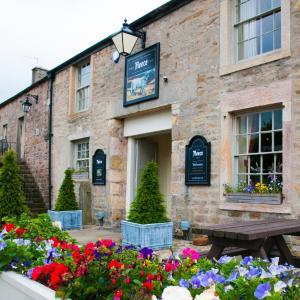 Hotel Pictures: The Fleece Inn, Shireshead