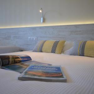 Hotel Pictures: Hotel De La Poste, Brioude