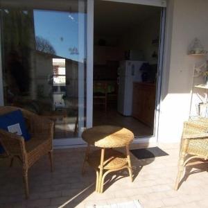 Hotel Pictures: Rental Apartment Proche De La Mer, Dans Le Quartier De La Chaume, La Chaume