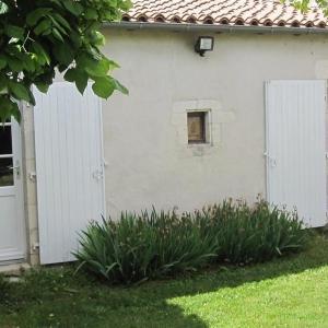 Hotel Pictures: Rental Villa La Flotte En Re Au Coeur Du Village Maison, La Flotte