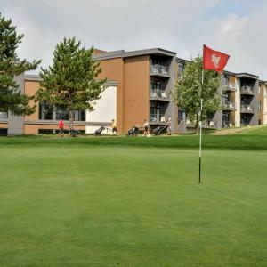 Hotel Pictures: La cache du Golf, Beauceville