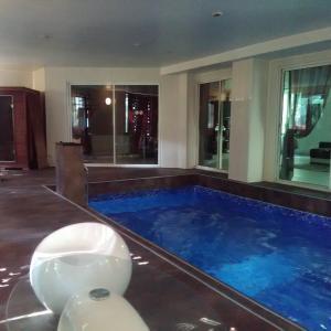 Hotel Pictures: Au Bois de Massier - Chambre d'hôtes, Vienne