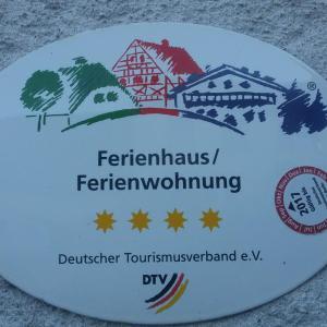 Hotelbilleder: Ferienhaus Zur Schönen Aussicht, Kopp