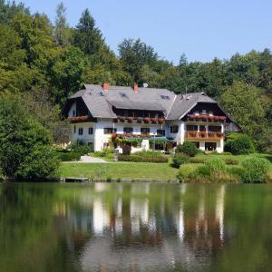ホテル写真: Landgasthof Trattnig, Schiefling am See