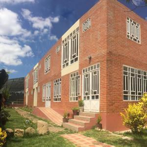 Hotel Pictures: Córest Hotel B&B, Tocancipá